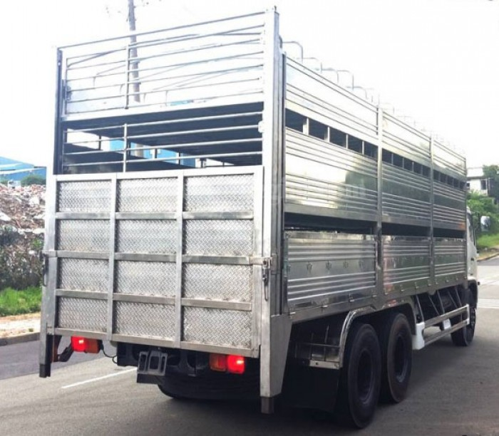 Hino FC xe chở gia súc, xe tải hino fc chuyên chở heo , hino fc chở lợn
