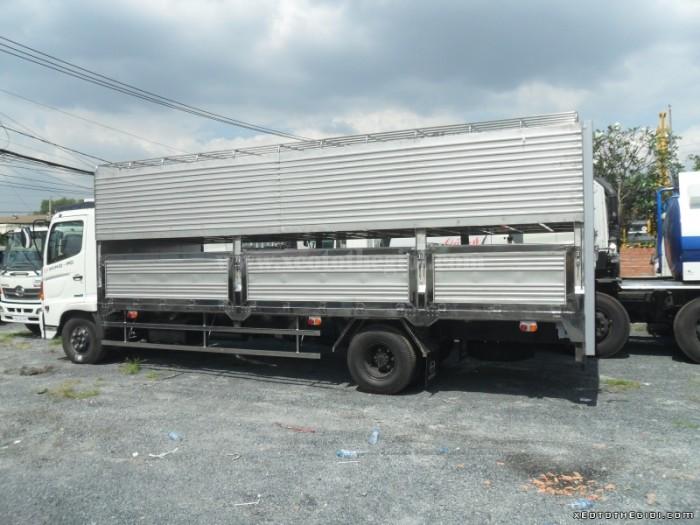Tổng đại lý Hino Miền Nam bán xe Hino 5 tấn FC9JLSW Thùng chở gia súc