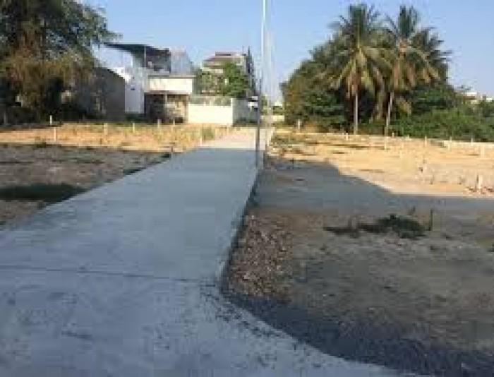 Bán gấp lô đất gần chợ ga-Vĩnh Thạnh, giá rẻ, bao sang sổ.