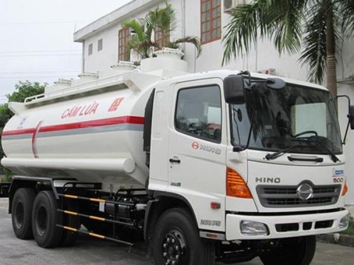 Đại lý xe Hino bán Hino Bồn chứa xăng dầu 24 tấn/ 18 m3, có sẵn giao xe ngay