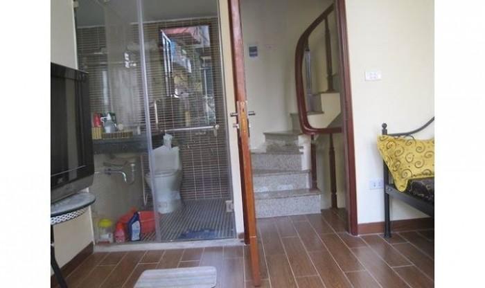 Nhà riêng,phố ngọc khánh,2pn,DT16m2.Nhà mặt tiền thoáng đẹp KD tốt