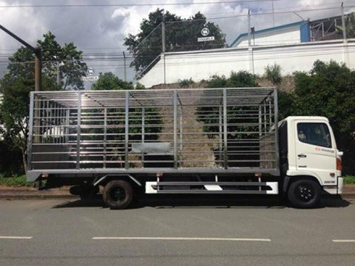 Bán xe tải Hino FC9JLSW 6 tấn chở Gia cầm xuất xứ Nhật Bản 2016 giá 770 triệu