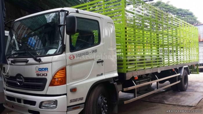 Xe tải Hino FC 6,4 TẤN chở gia súc , gia cầm các loại với thùng xe đa dạng đầy đủ kích thước