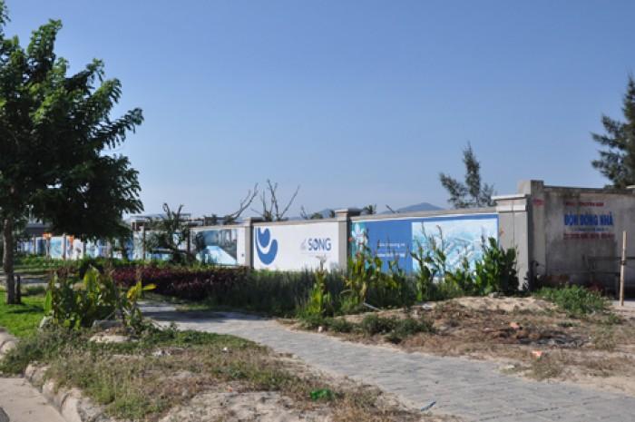 Đất 2 mặt tiền đường Morrison, cách bãi tắm Phạm Văn Đồng khoảng 199m.