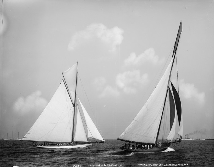 Mô hình du thuyền gỗ Columbia 50cm5