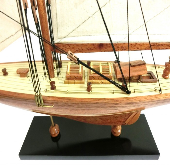 Mô Hình Du Thuyền Gỗ Shamrock 50cm3