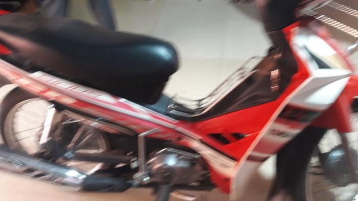 Xe máy sirus rc màu đỏ ba 72 đời 2013