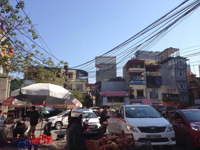 CHỦ NHÀ cần bán nhà đẹp quận Hai Bà Trưng, DT 35m, 5 tầng kiên cố, giá 3 quanh 3 tỷ( có thương lượng).
