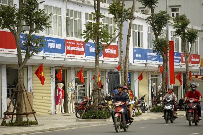 Bán gấp nhà Lê Trọng Tấn, 111m2, 15 tỷ, ô tô vào nhà.