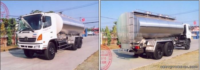 Hino Xitec 13 khối FM8JNSA chuyên chở sữa