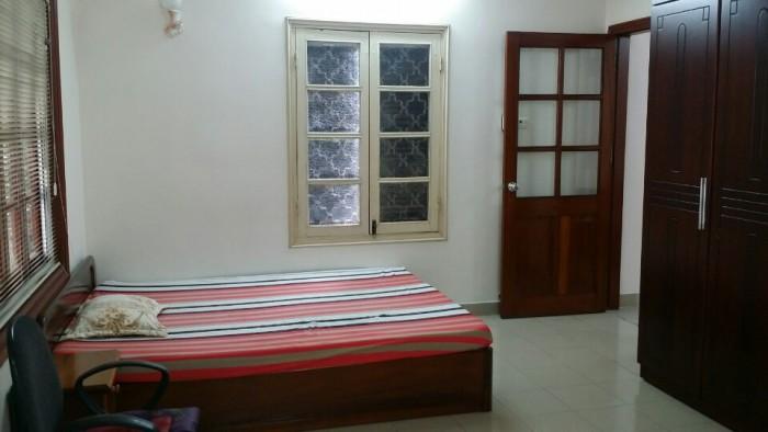 Bán căn hộ tập thể tầng 2 Bắc Thành Công, Nguyên Hồng Ba Đình, DT 45m2, giá 1.3 tỷ