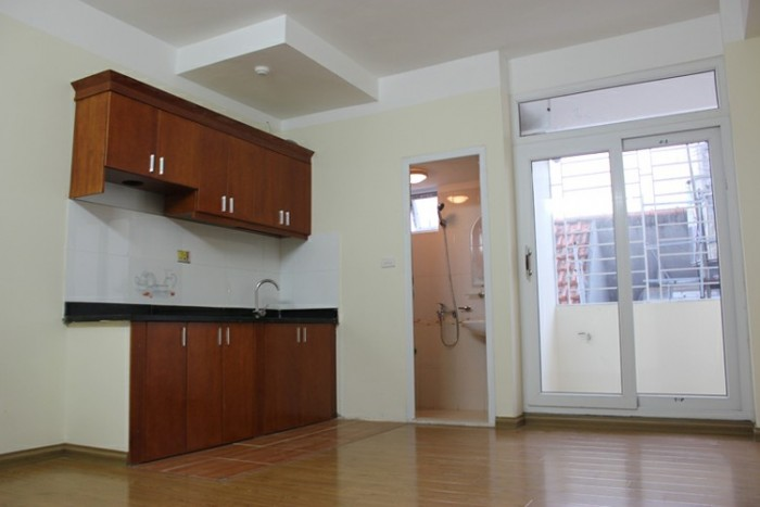 Cho thuê nhà nguyên căn mặt tiền đường 2 tháng 9, tầng 1 trống suốt, làm spa, massage