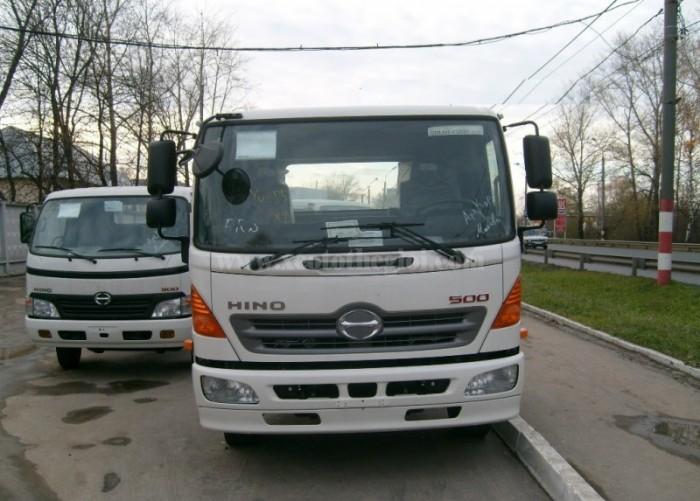 Bán xe tải Hino FC tổng tải 10,4 tấn trả trước 20% giao xe ngay
