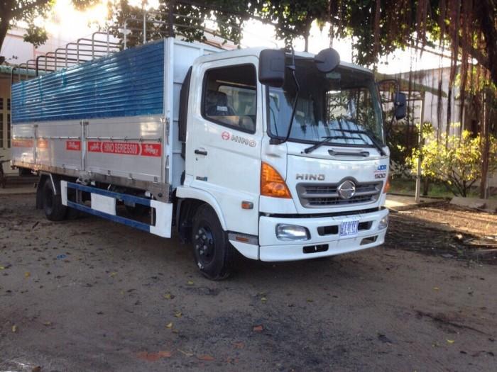 Xe tải Hino 5,2 tấn thùng mui bạt  –  có hàng sẵn tại Sài Gòn
