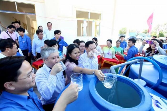Máy lọc nước công nghệ RO giúp bạn và gia đình có 1 nguồn nước sạch