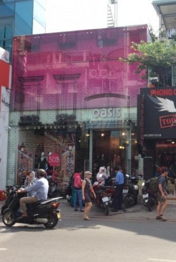 Nhà đẹp mặt tiền 15 Lê Thánh Tôn Q1 , gần ngã tư Thái Văn Lung, cho kinh doanh tự do