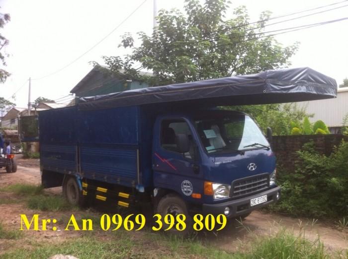 Hộp số xe hyundai HD700: Xe tải Hyundai HD700 được trang bị hộp số sàn 5 số tiến 1 số lùi
