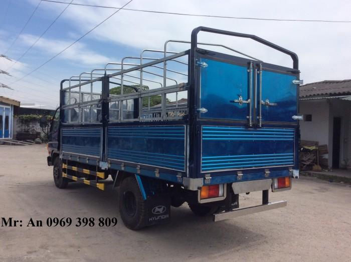 Kích thước tổng thể6770(D) x 2210 (R) x 2870 (C) mm Kích thước thùng lửng4940 x 2040 x 680/1850 mm