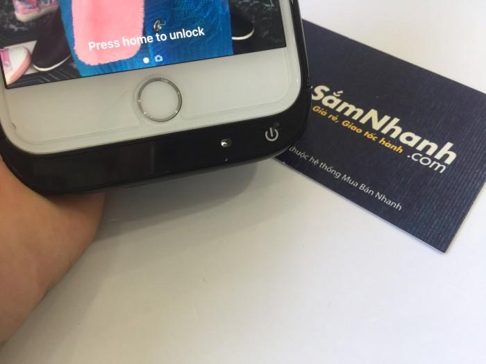 Trên thị trường hiện nay có rất nhiều loại sạc dự phòng, nhưng cần phải gắn dây kết nối để sạc, rất bất tiện trong lúc sử dụng điện thoại hoặc di chuyển, không thể bỏ túi lúc sạc, không thể sử dụng thoải mái lúc sạc vì luôn có dây kết nối : chúng tôi cung cấp 1 giải pháp sạc dự phòng thông minh và tiện dụng cho quý khách hang sử dụng iphone 6/6s.0