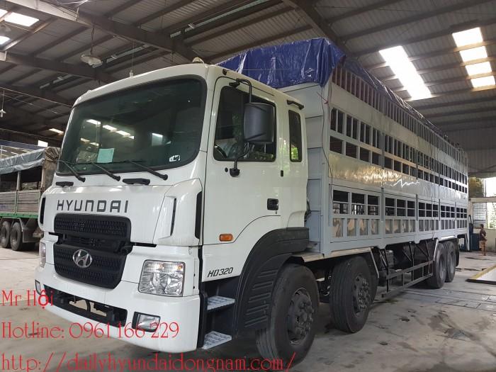 Xe Chuyên Dụng Hyundai HD320 15 Tấn Chở Lợn Heo Sàn 3 Tầng gắn Bẩng Nâng Hạ