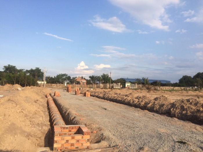 Bán đất ngay đường Phùng Hưng gần KCN Giang điền giá 260Tr/nền