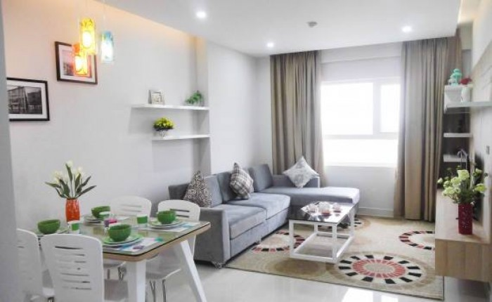 Cho thuê nhà mặt tiền đường Phan Châu Trinh, ngay trung tâm thành phố.