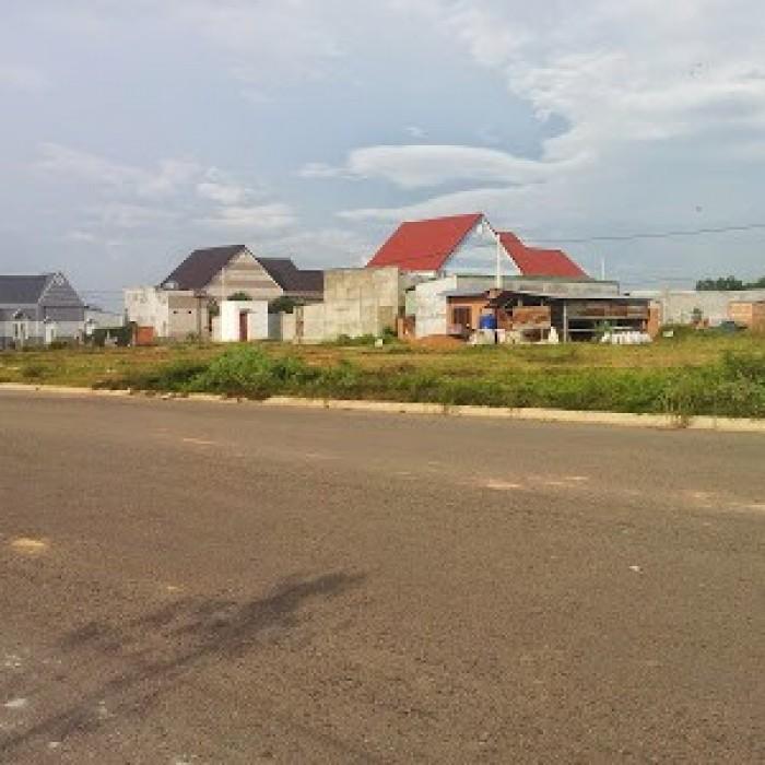 Cần bán đất thị xã tân uyên giá 260tr/100m2 sổ đỏ thổ cư