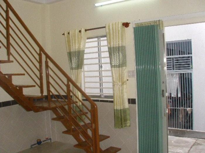 Cho thuê nhà 1 trệt 4 lầu, mặt tiền đường hai bà trưng đối diện tượng đài bác