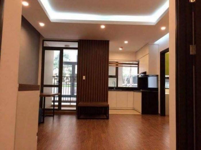 Cho thuê nhà mặt tiền đường Phan Châu Trinh, có gác lửng, khu vực sầm uất kinh doanh.
