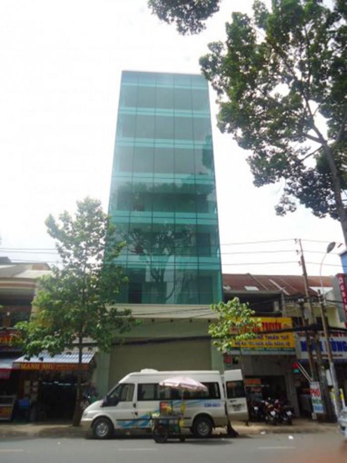 Cho thuê khách sạn 135 Trần Hưng Đạo Q1, 6 lầu, thang máy, 8 phòng ngủ đầy đủ tiện nghi