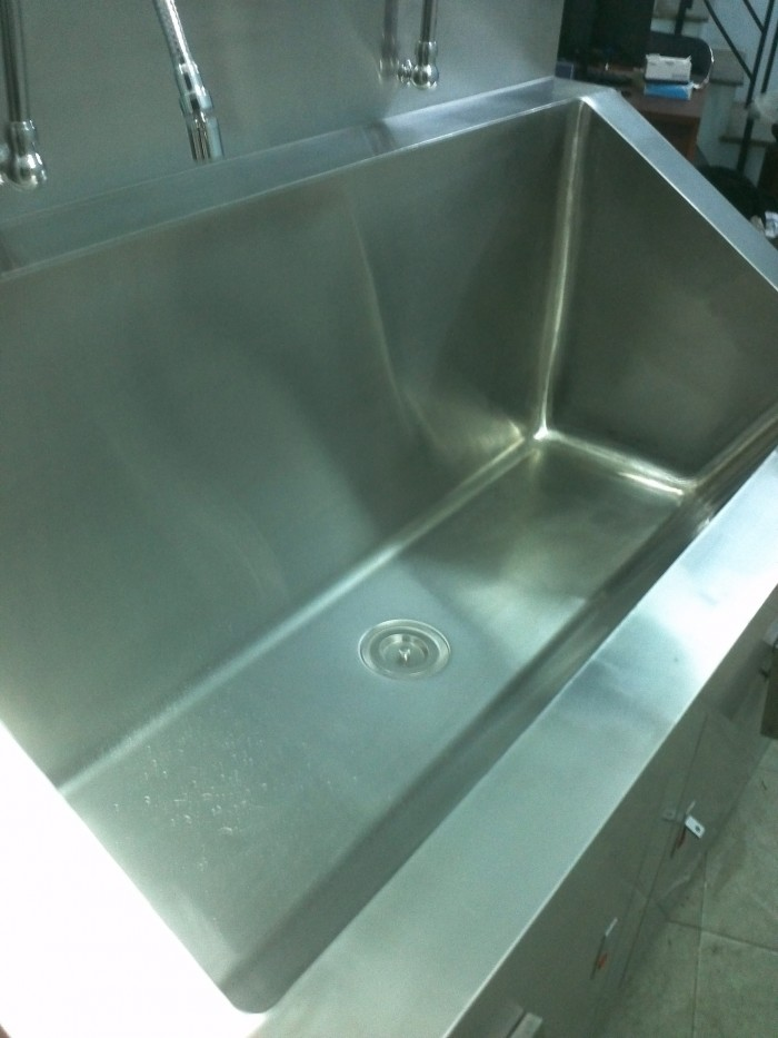 Bồn rửa tay tiệt trùng phòng mổ