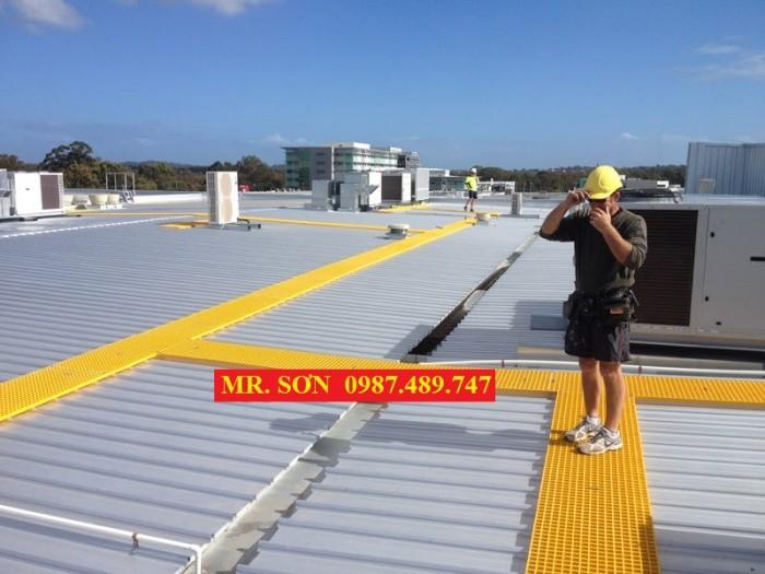 sàn làm lối đi trên mái nhà xưởng, frp grating8