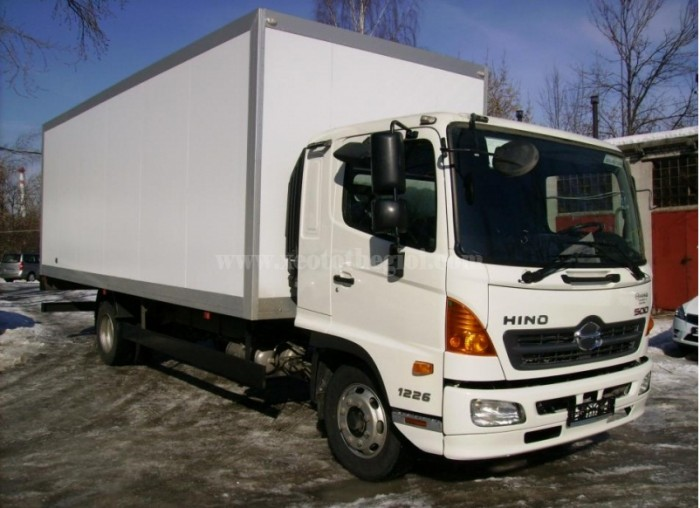 Bán xe Hino thùng kín 4.3 tấn, cực chất, mới 100%- xe có sẵn