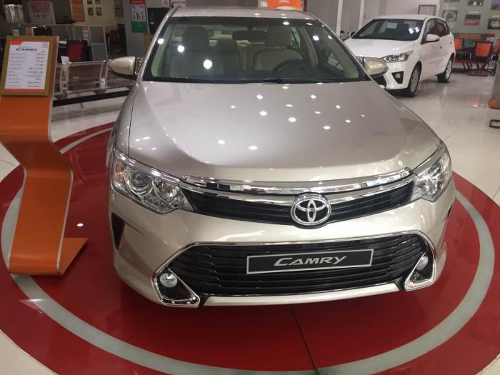 Toyota camry 2.0E  mới