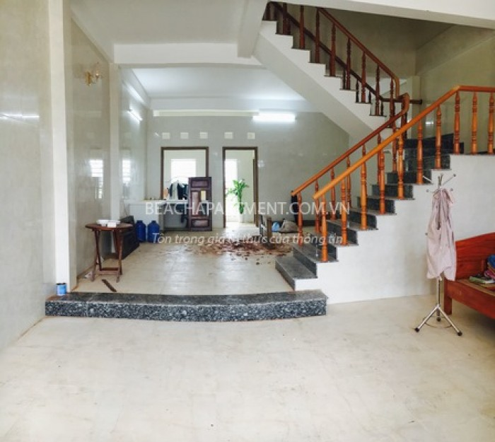 Cho thuê nhà mới xây khu Hồ Xuân Hương, đoạn gần Lê Văn Hiến.