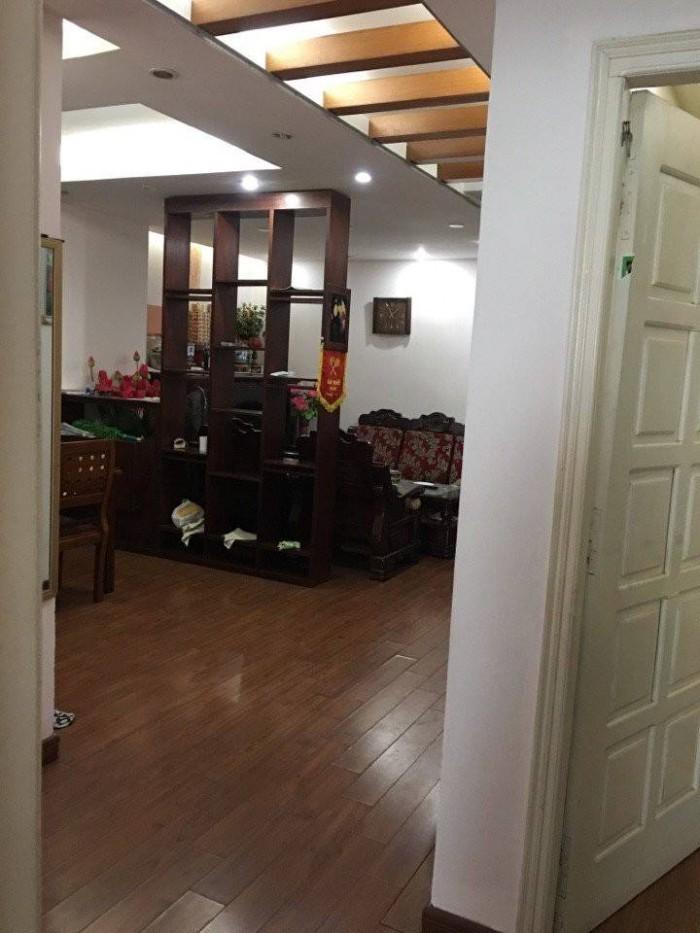 Cho thuê nhà cấp 4 MT đường Lê Lợi, nhà trống tiện kinh doanh.