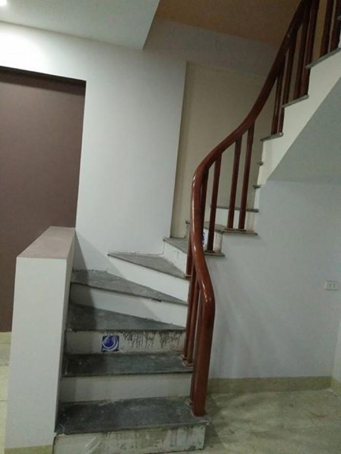 Cho thuê nhà MT hướng Nam gần cầu Đống Đa, 4T 5pn  đủ nội thất
