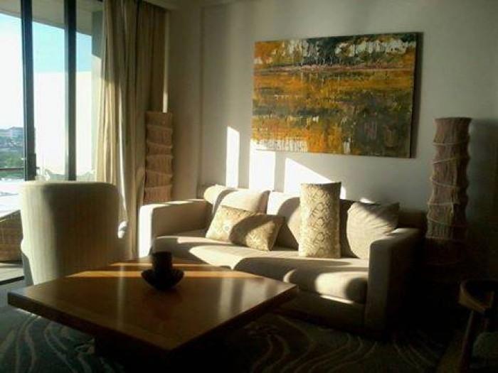 Cho thuê nhà mặt tiền đường Lê Duẩn, 3T rộng, vị trí đẹp tiện KD shop, spa