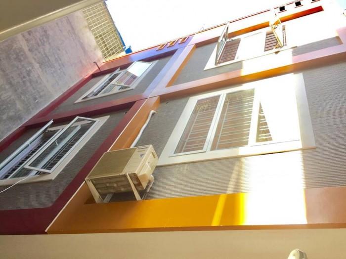 Bán nhà 60m2, mặt ngõ thông Dư Hàng, tiện buôn bán, Tây bắc, 1.68 tỷ