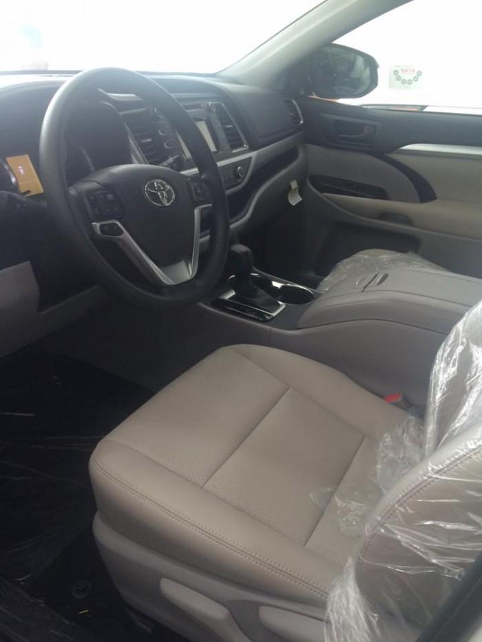 Xe mới Toyota Highlander LE nhập khẩu Mỹ, giao ngay 2