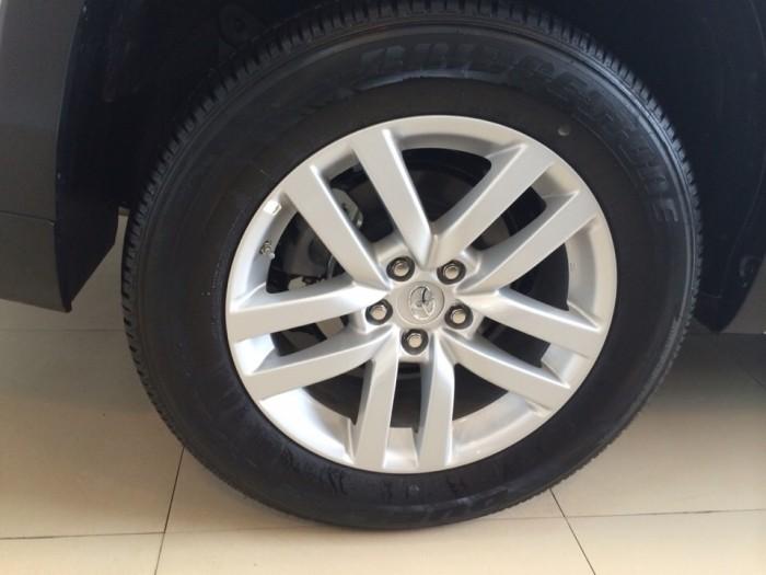 Xe mới Toyota Highlander LE nhập khẩu Mỹ, giao ngay 4