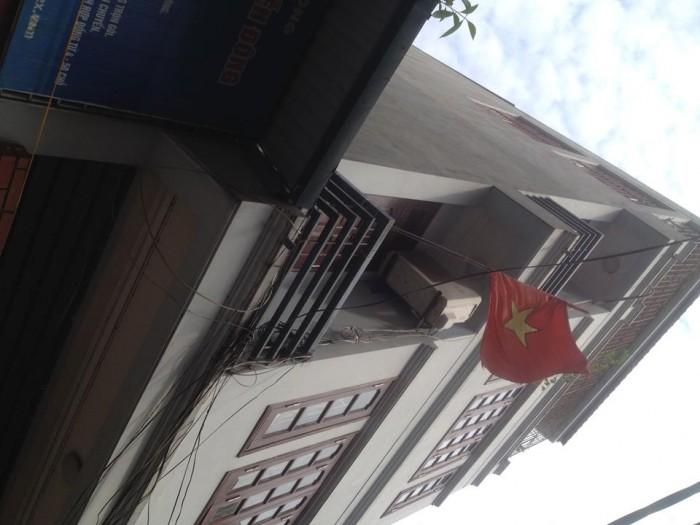 Bán nhà phố Quan Hoa 100m 4 tầng 7.8m mặt tiền 19.8 tỷ. ô tô tránh thoải mái.