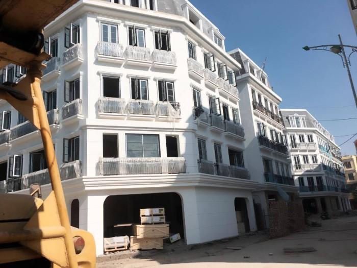 Bán gấp nhà phân lô 5 tầng đường Trần Văn Lai,ô tô đỗ cửa,kinh doanh tốt