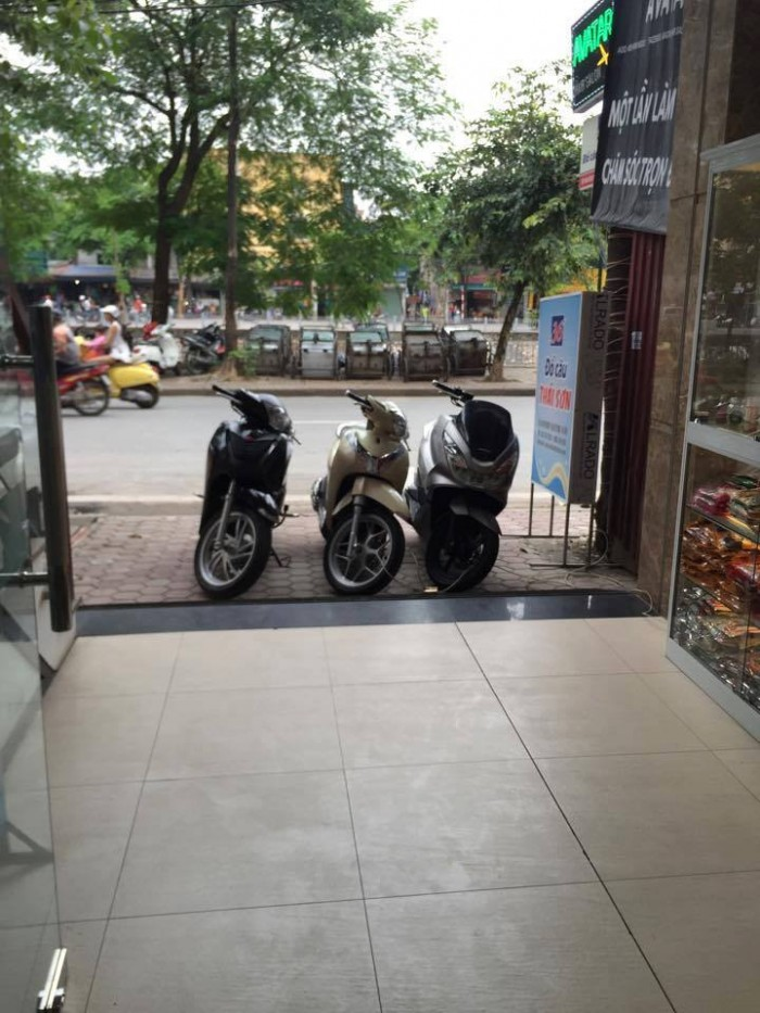Bán nhà mặt phố Trấn Vũ, phường Quán Thánh, giá trên 50 tỷ