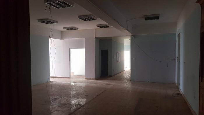 Cho thuê mặt bằng tầng 3,mặt đường Dương Đình Nghệ (30triệu,200m2) thích hợp làm văn phòng.