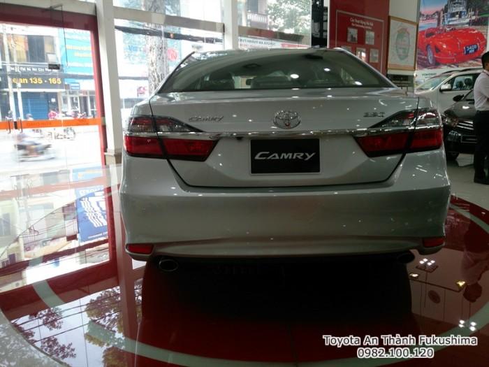 Đại lý Toyota tại Sài Gòn - bán xe Toyota Camry 2017 mẫu mới nhất, nhận tư vấn, báo giá cùng hỗ trợ mua trả góp qua hotline 0982 100 120, gọi ngay để nhận tư vấn hữu ích