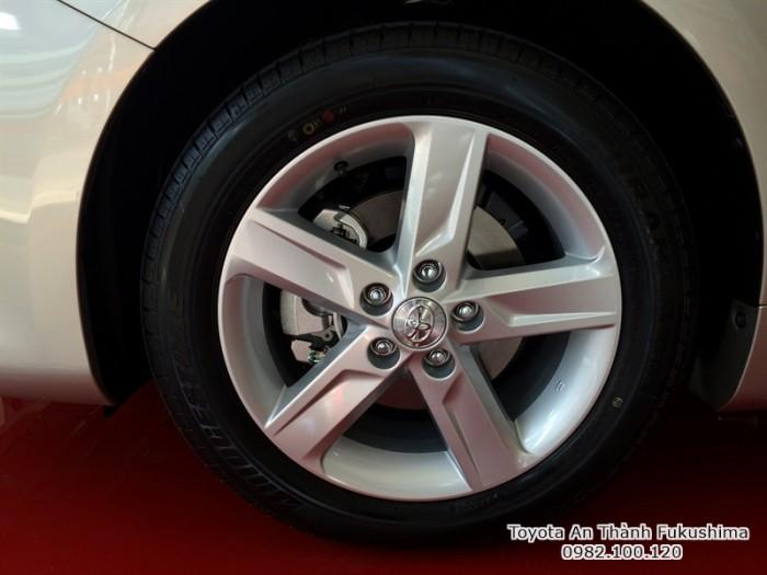 Khuyến Mãi Toyota Camry 2.5Q 2017 Màu Nâu Vàng, Mua Trả Góp Chỉ Cần 450Tr. Vay 8 năm. Giao Ngay