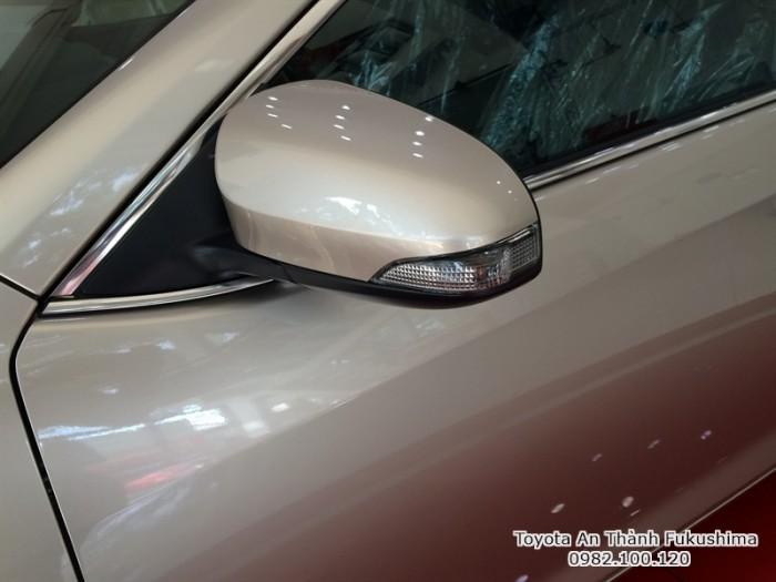 Khuyến Mãi Toyota Camry 2.5Q 2017 Màu Nâu Vàng, Mua Trả Góp Chỉ Cần 450Tr. Vay 8 năm. Giao trước Tết