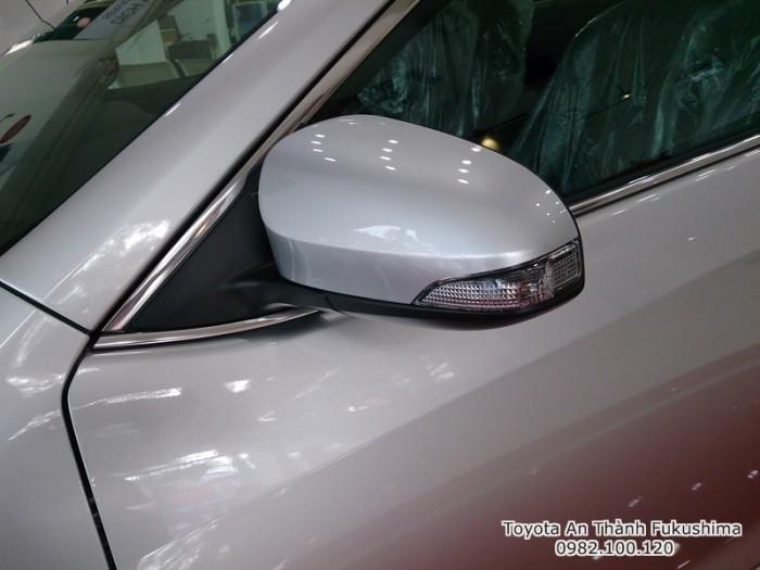 Khuyến Mãi Toyota Camry 2.5Q 2017 Màu Bạc, Mua Trả Góp Chỉ Cần 450Tr. Vay 8 năm. Giao Ngay