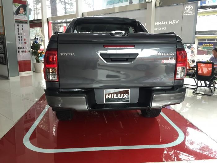 Xe bán tải Hilux trả góp ở HCM được phân phối tại Đại lý Toyota 100% vốn Nhật - Toyota An Thành Fukushima